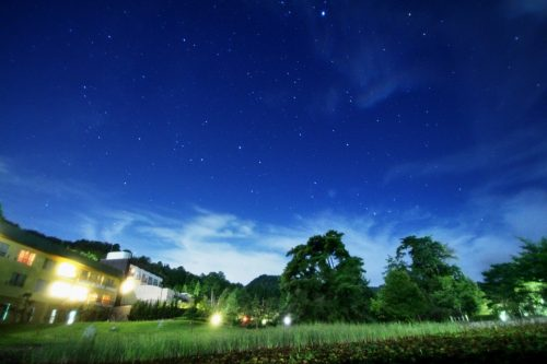 満点の星空が見られる猪名川の夜