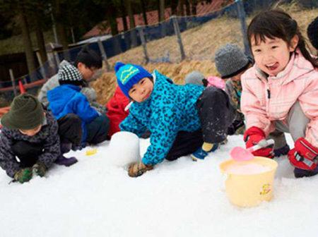 六甲山スノーパークにある「SNOW LAND」も充実!ご家族全員で雪を楽しめます!